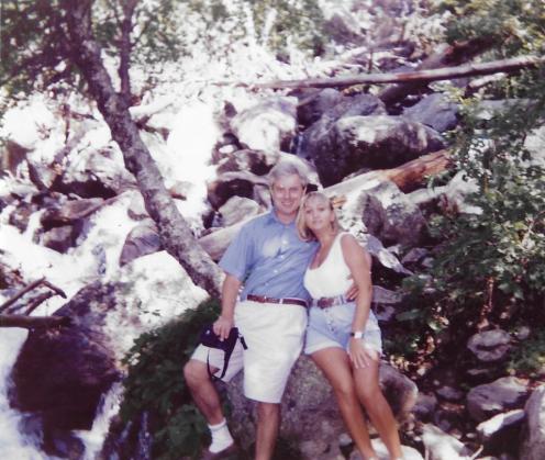 Foto de Mª Jesús Mandianes con Marcel en el Lago San Mauricio (Verano 1993)